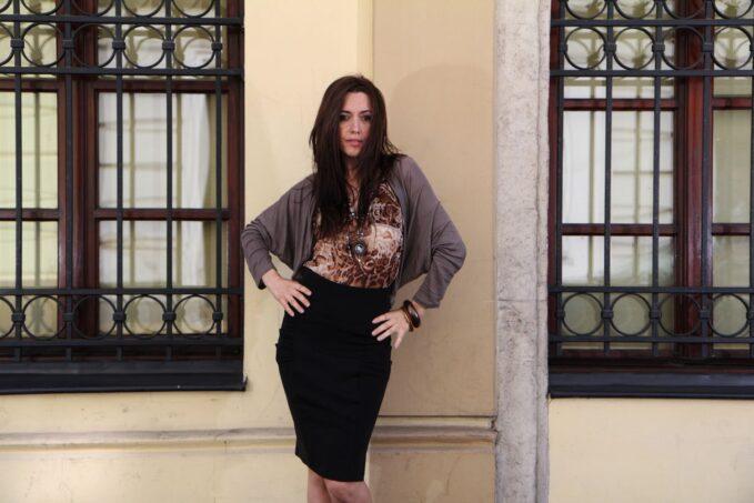 Sweter Cristina mocca 3